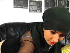 Sexy muslim girl stripping n fingering hot round big ass