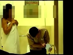 bhabhi seducing hotel boy