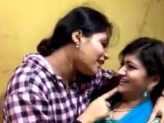 indian unskilled girls dancing